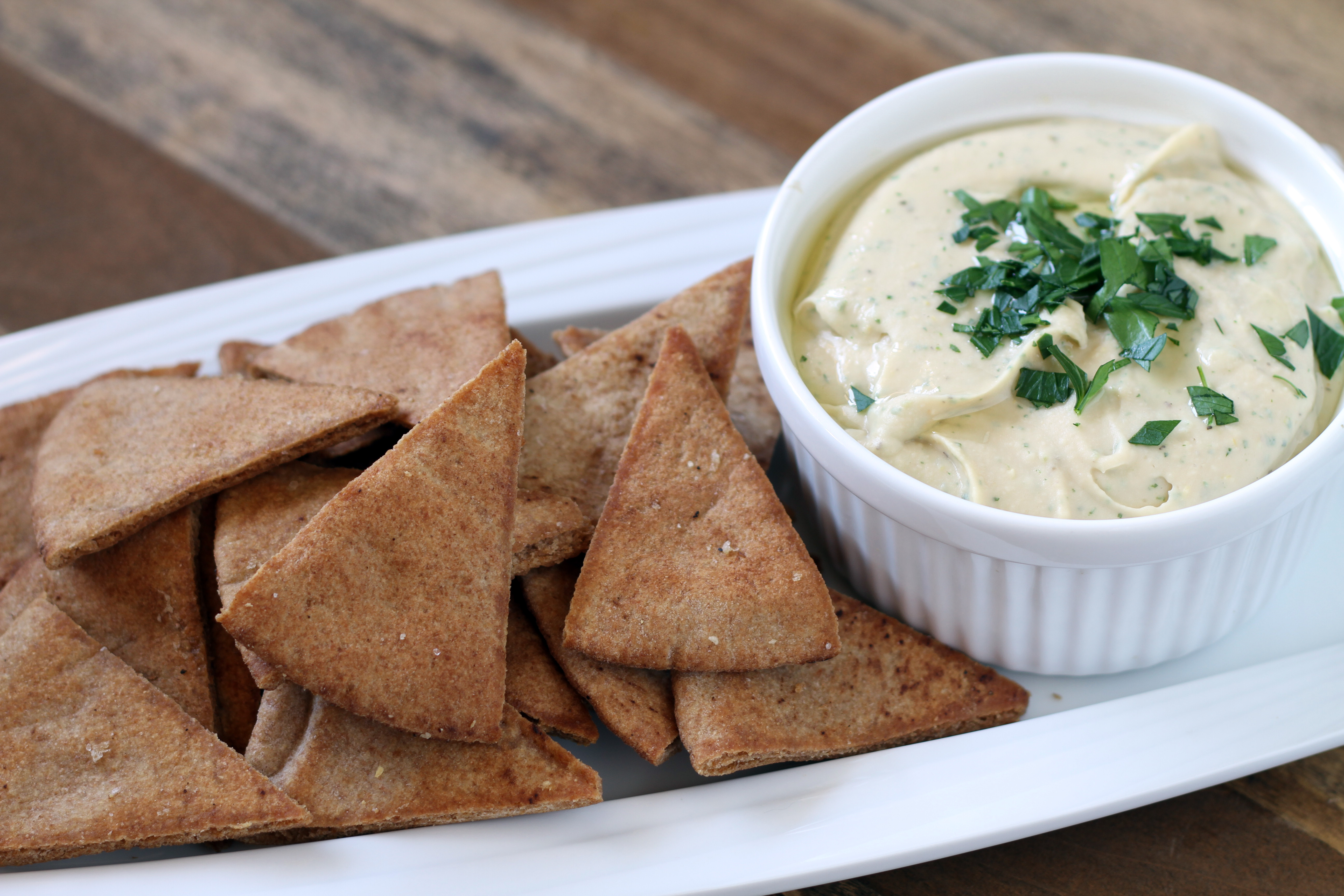 Roasted Garlic & White Bean Dip